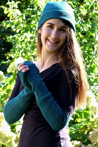 castanets alpaca long fingerless gloves, alpaca gloves, alpaca hat, upland road