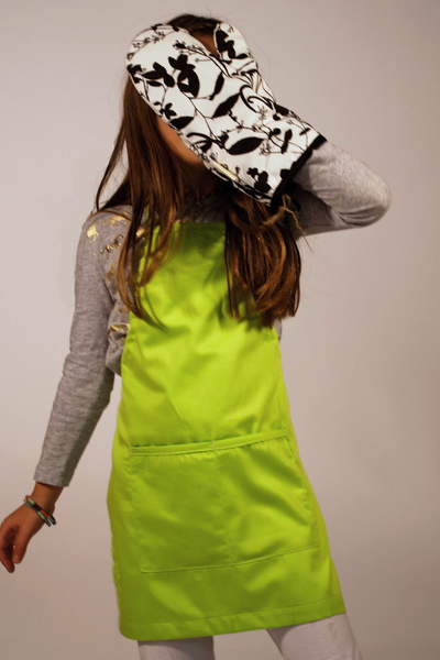 Kids Organic cotton apron in Lime Green