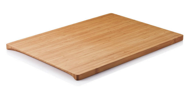 Undercut Bamboo Sustainable Cutting Board, Medium