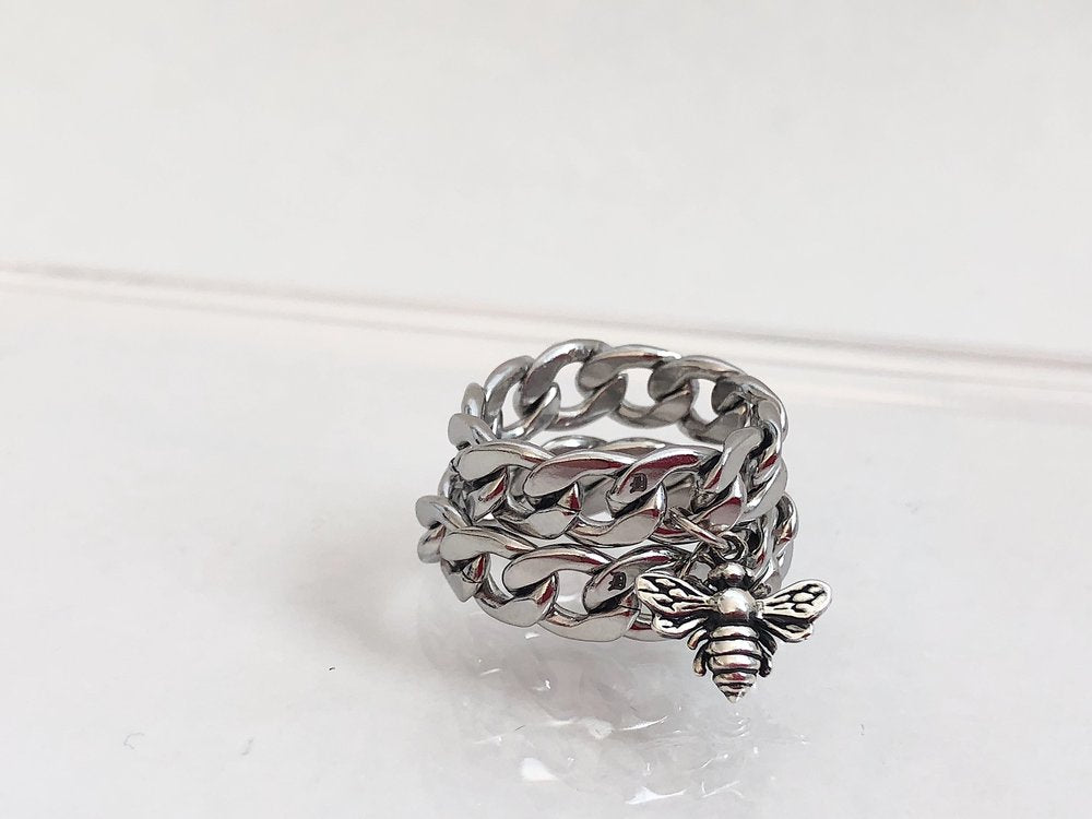 The Bee Chain Ring