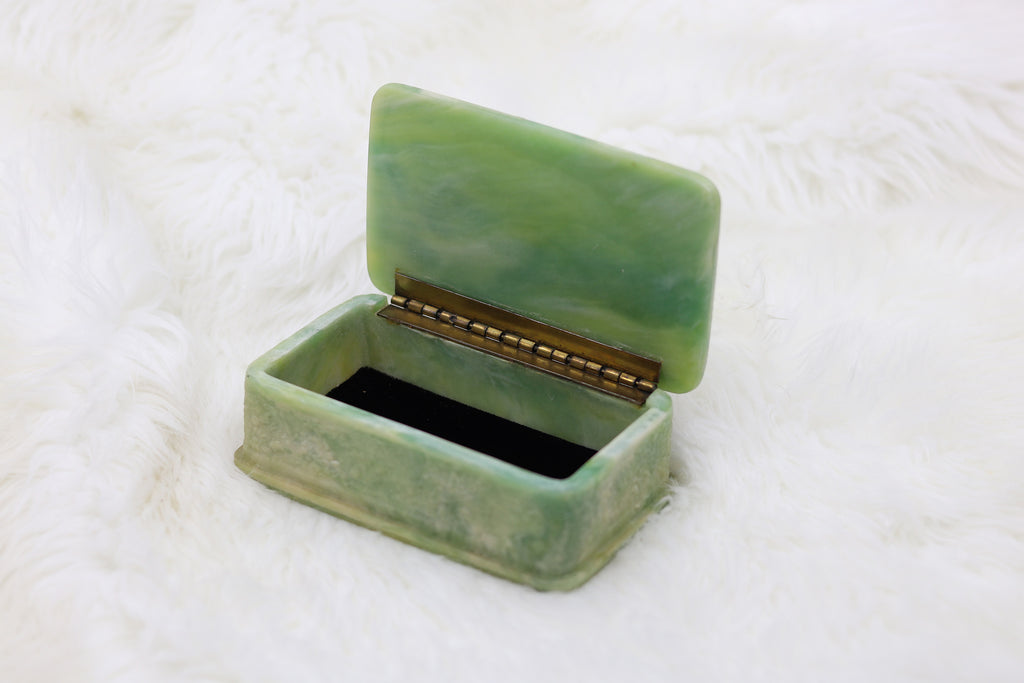 Vintage Floral White/Green Jewelry Box