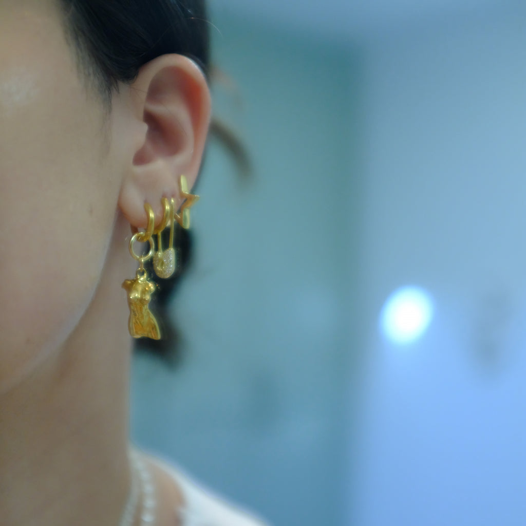 The Gold Mini Femme Bust Hoops
