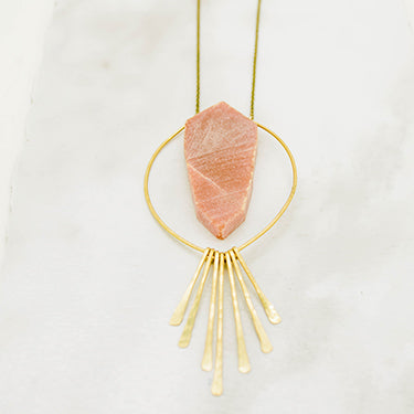 THE PENDANT AND FRINGE NECKLACE ADVENTURINE