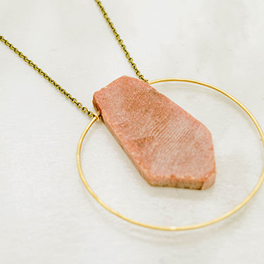 THE PENDANT IN HOOP BRASS NECKLACE