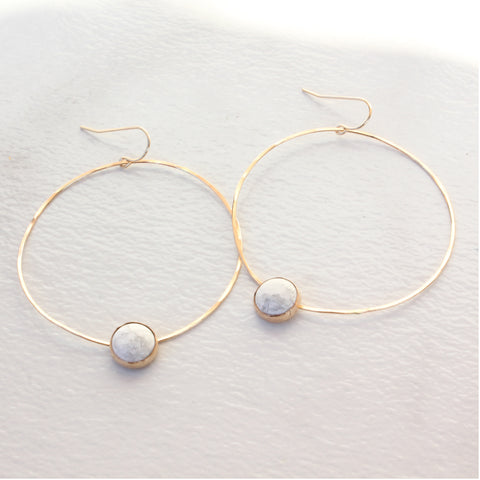 HOOP AND CAB EARRINGS HOWLITE