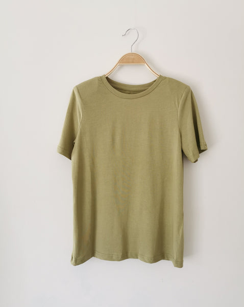 Padded shoulder T-shirt