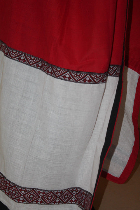 White and red handwoven Mising dupatta with checks