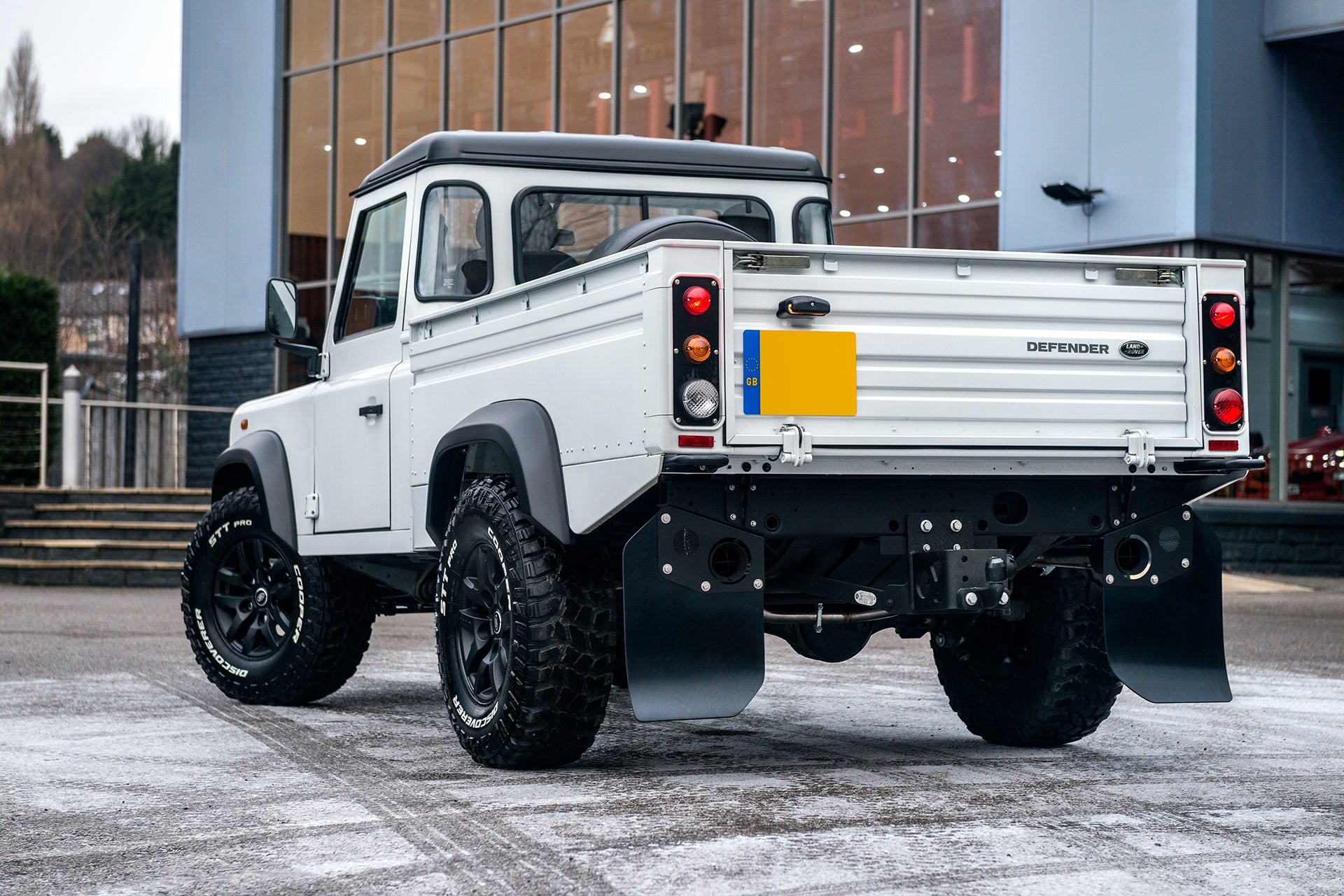 Defender High Capacity Pickup