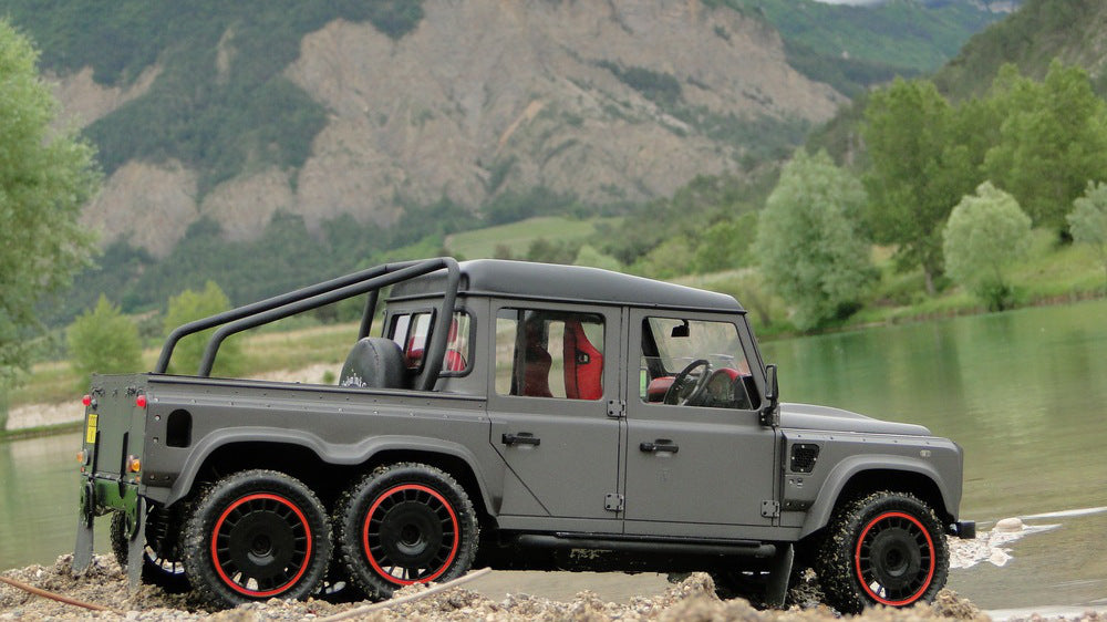 From Europe With Love: Flying Huntsman 6X6 Model