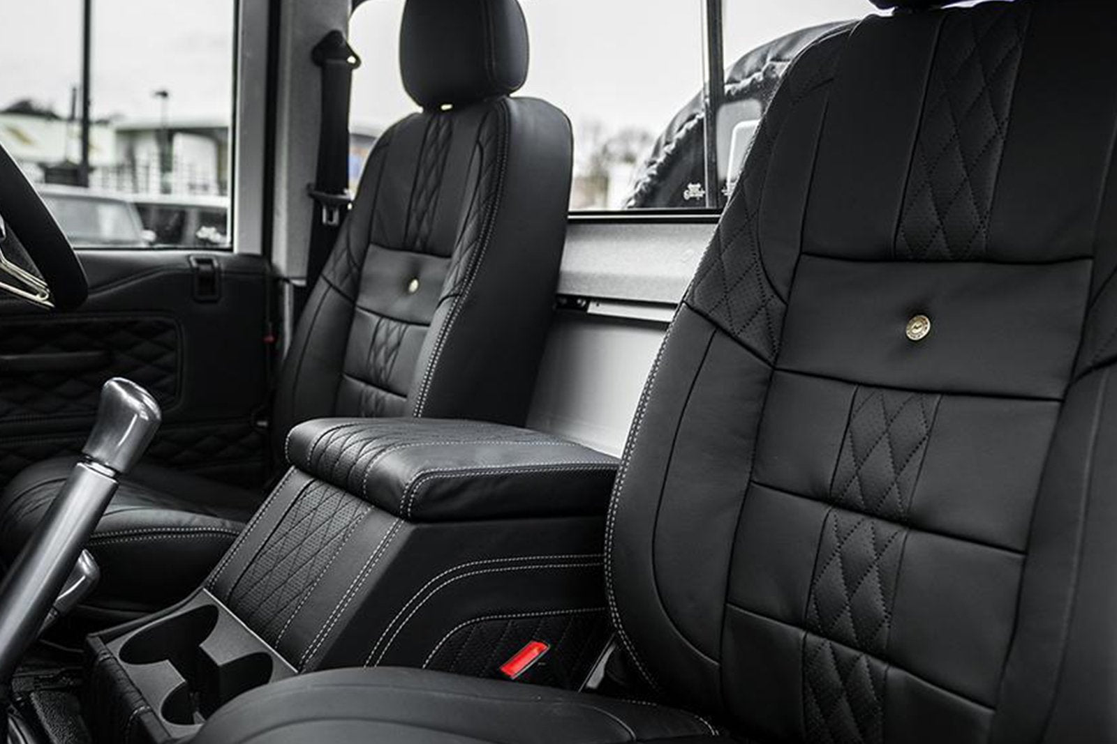 LAND ROVER DEFENDER 90 (1991-2016) PICKUP COMFORT INTERIOR - 2 SEATS