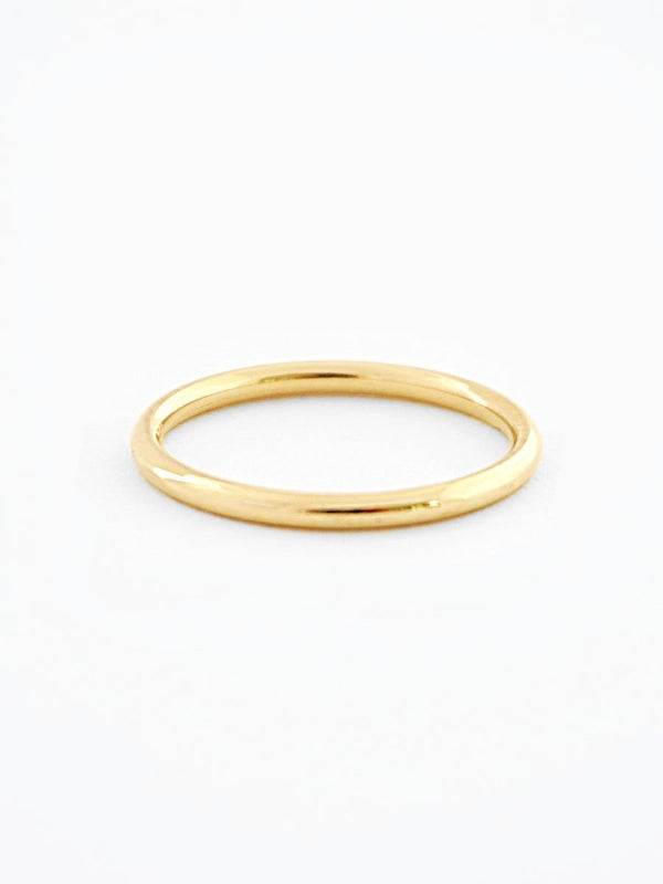 Gold minimalist wedding band