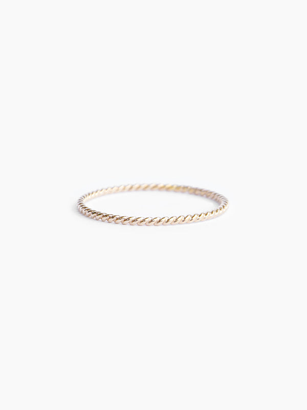 14k gold twisted wire band ring