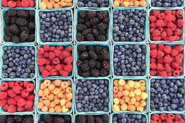 Why We Love Farmers Markets (And You Should, Too!)
