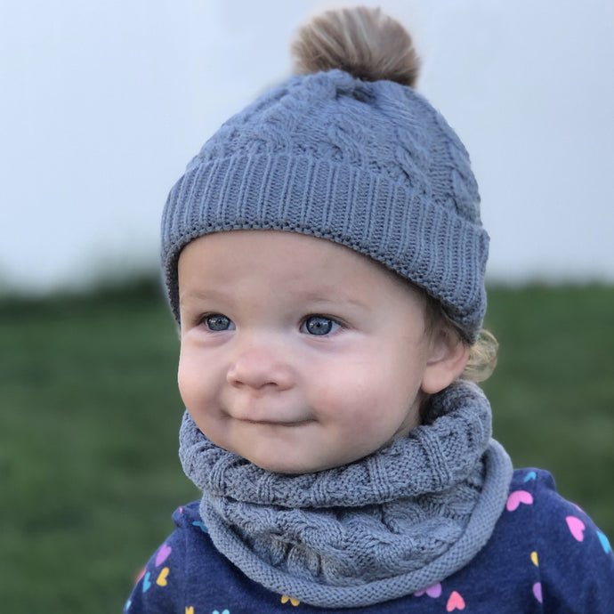 Toddler hat and infinity scarf set. Blue/grey