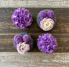 Load image into Gallery viewer, Purple and White Flower Cupcakes (4)