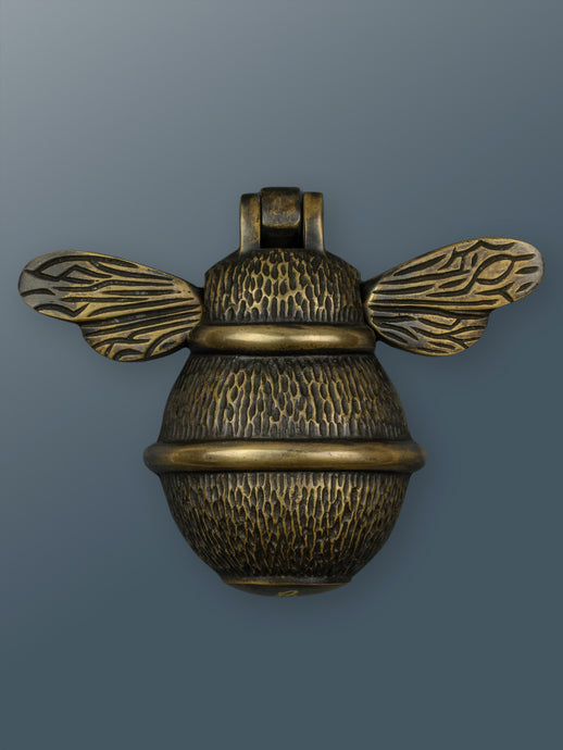 Brass Bumble Bee Door Knocker - Heritage Brass Finish - Shop unique door knocker, wreaths & Christmas gift cards online! Brass bee