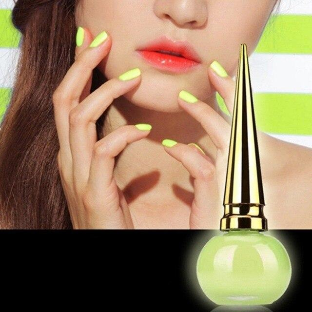 Vernis a ongles jaune fluo