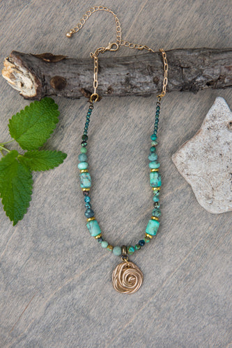 Rose Necklace in Green/Turquoise