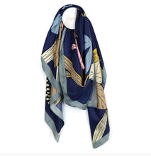 Load image into Gallery viewer, Japanese Print Scarf