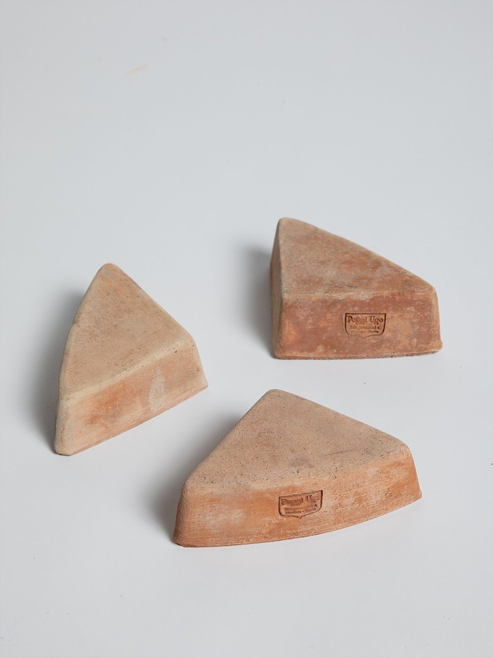Triangle Foot - Terracotta Pottery Poggi Ugo