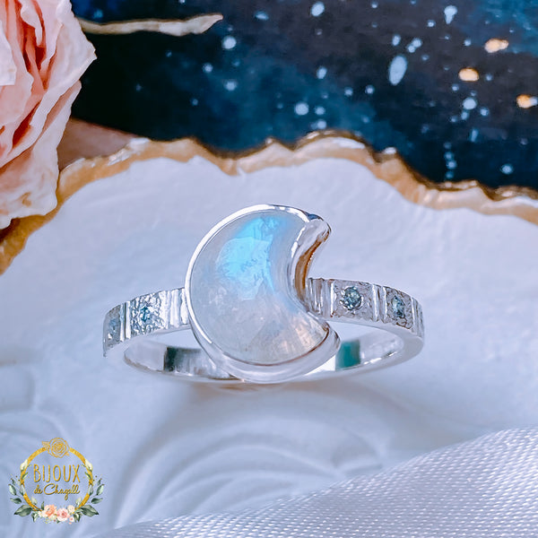 Rainbow Moonstone Crescent Moon & Ice Blue Diamonds Stardust details engagement ring - Bijoux de Chagall