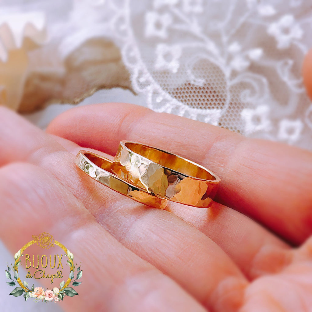 5mm Solid Gold Wedding band 9ct Yellow or 9ct White or 18ct Yellow solid Gold Hammered ring band. - Bijoux de Chagall