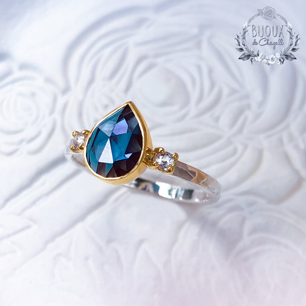 Rare Colour Change Alexandrite Vintage Style Romantic Engagement ring with Natural Diamonds, in 9ct solid Gold. - Bijoux de Chagall