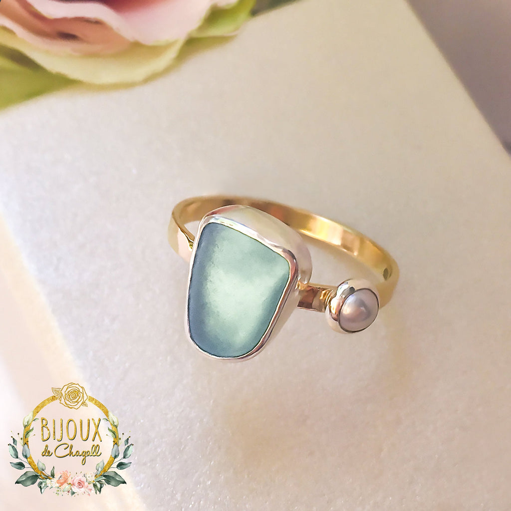 Sea Glass & Pearl Organic style Handcrafted ring in solid 9ct Gold and Fine Silver - Bijoux de Chagall