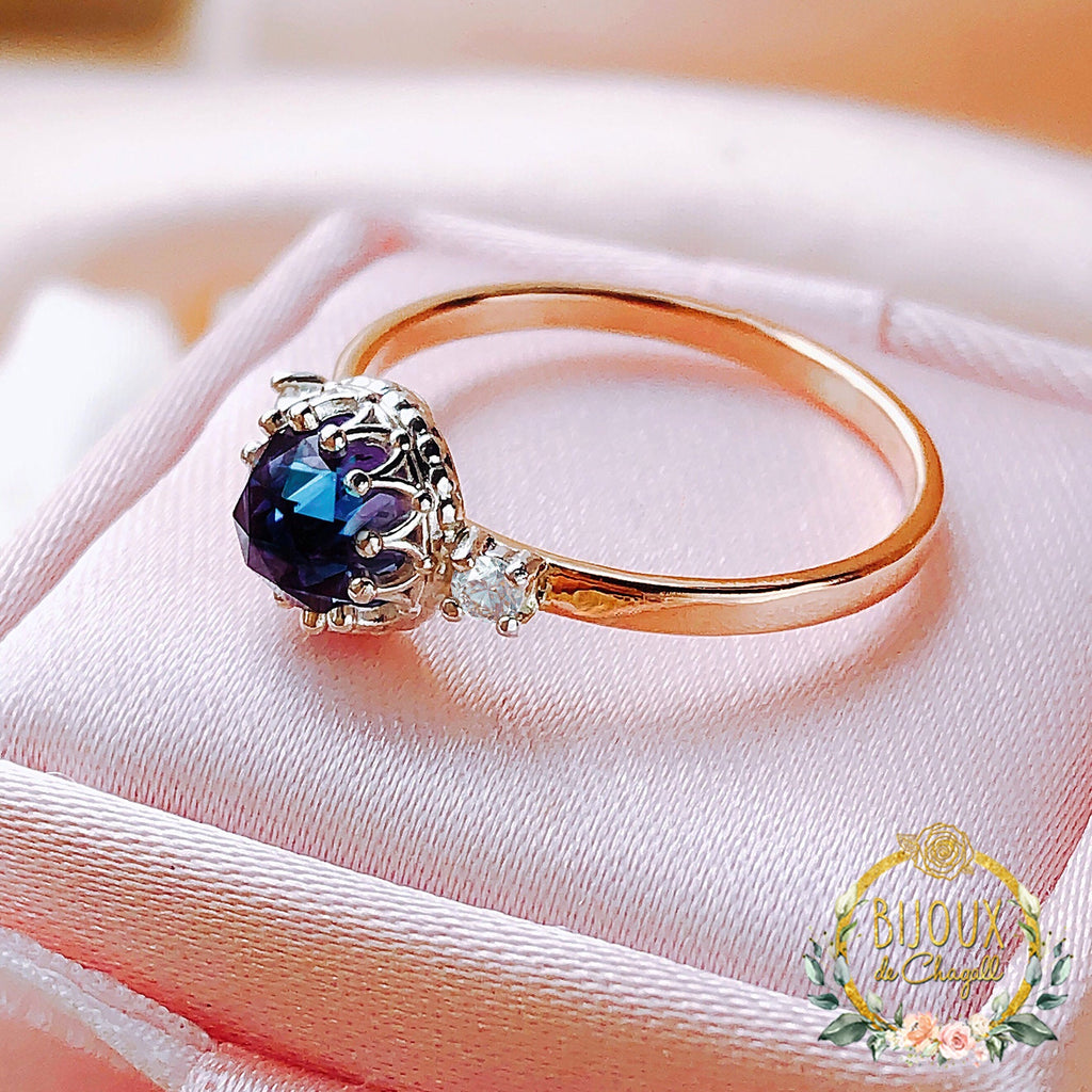 Rare Colour change Alexandrite Romantic Engagement ring with Moissanite or Natural Diamonds in 9ct, 14ct, 18ct solid Gold and 925 Silver - Bijoux de Chagall