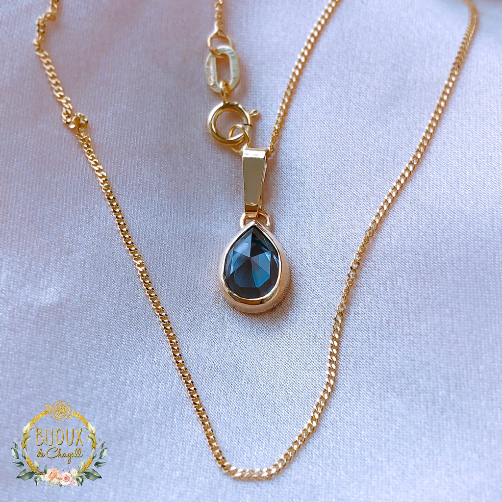 Rare Colour Change Pear Alexandrite Romantic Pendant Necklace in 9ct Solid Gold - Bijoux de Chagall