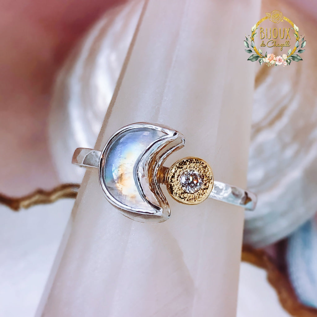Rainbow Moonstone Crescent Moon & Stardust Moissanite Diamond engagement ring in 9ct Gold / 925 Silver - Bijoux de Chagall