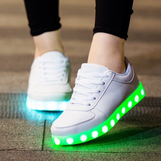 Glowing Sneakers - Short Hook