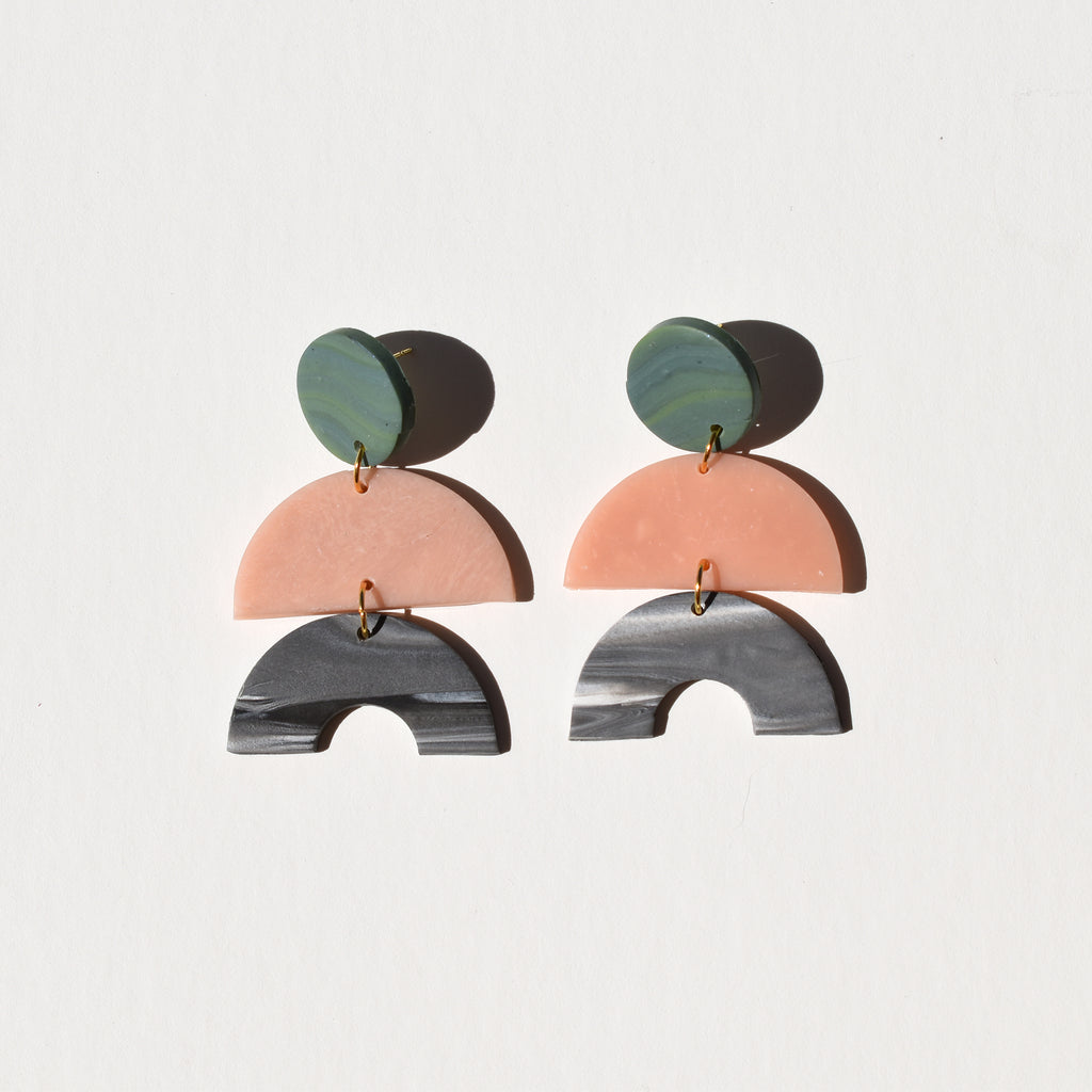 Maggie Earrings; Such a Peach