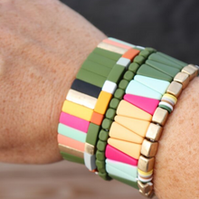 Load image into Gallery viewer, Highlands Color Block Triangle Bracelet Green