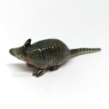 Load image into Gallery viewer, Armadillo Straight tail