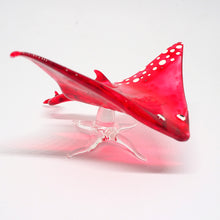 Load image into Gallery viewer, Glass  Red  Stingray