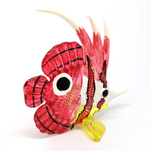 Load image into Gallery viewer, Glass Fish 131