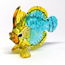 Load image into Gallery viewer, Glass Fish 057