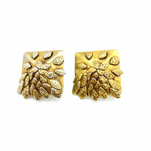 Load the image in the gallery, Delphine Nardin golden square earrings with accumulation of leaves from GIGI PARIS