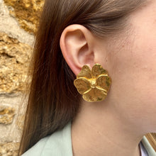 Load the image in the gallery, Yves Saint Laurent earrings imposing golden flowers by Gigi Paris