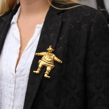 Upload the image to the gallery, Brooch le fou by Linda Hattab