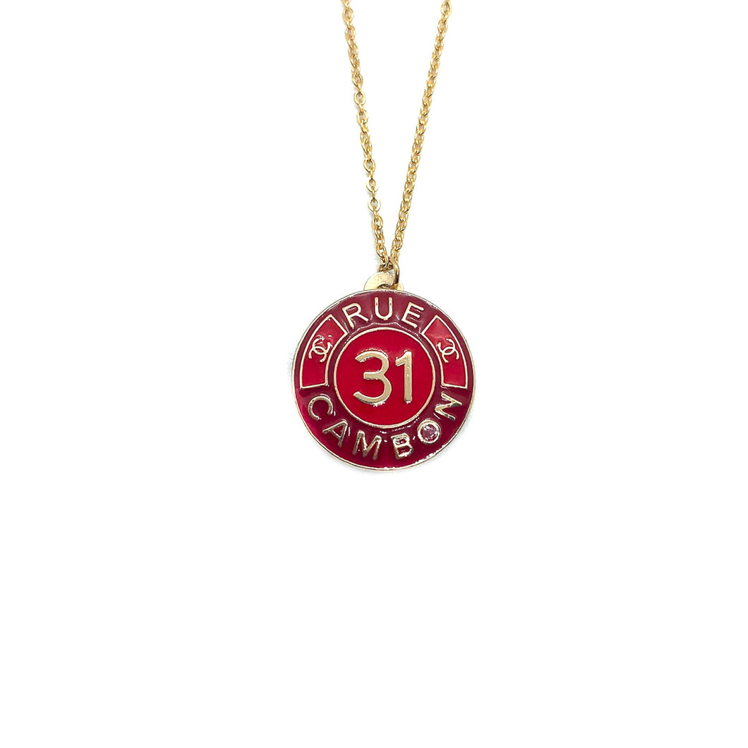 Pendentif upcyclé Chanel 31 rue Cambon rouge