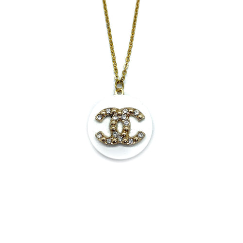 Pendentif upcyclé Chanel blanc perle et strass
