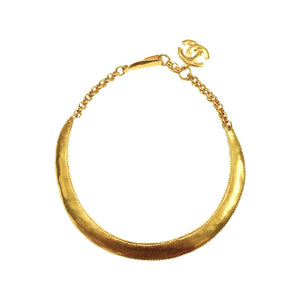 Chanel chocker gold plated hammered mat ethnic in an arc
