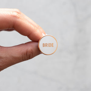 Load image into Gallery viewer, Round Bride Pin