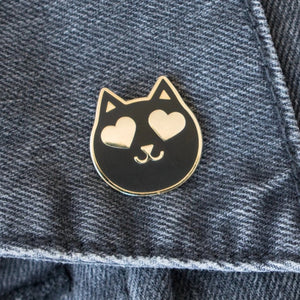 Heart Eyes Cat Pin