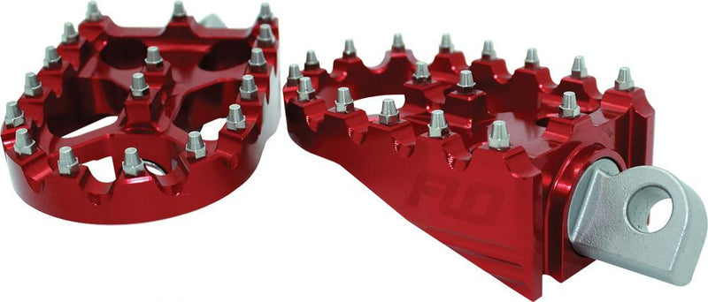 "MOTO SYTLE FOOTPEG SET RED 2""X3.125"""
