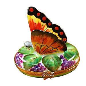 BUTTERFLY ON GRAPES LIMOGES BOXES - Limoges Boxes Porcelain Figurines