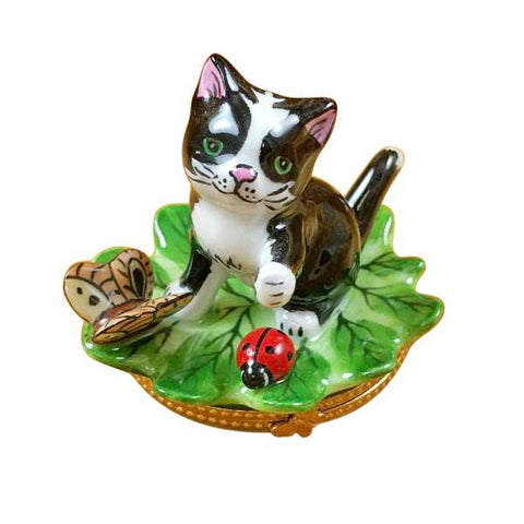CAT ON LEAF W/ LADYBUG LIMOGES BOXES - Limoges Boxes Porcelain Figurines