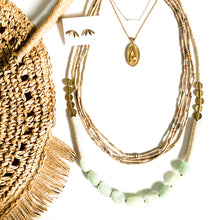 Load image into Gallery viewer, Fringe Trim Circle Straw Bag in Natural